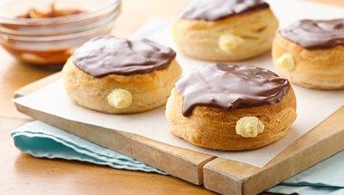Cannoli Doughnuts