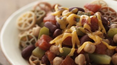 Skinny Slow Cooked Chili with Pasta