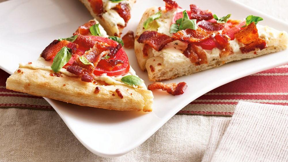 Grilled Bacon and Tomato Pizza Wedges