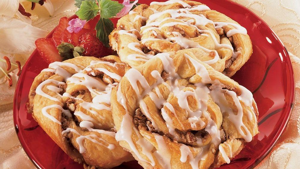 Simply Super Crescent Cinnamon Rolls recipe from Pillsbury.com