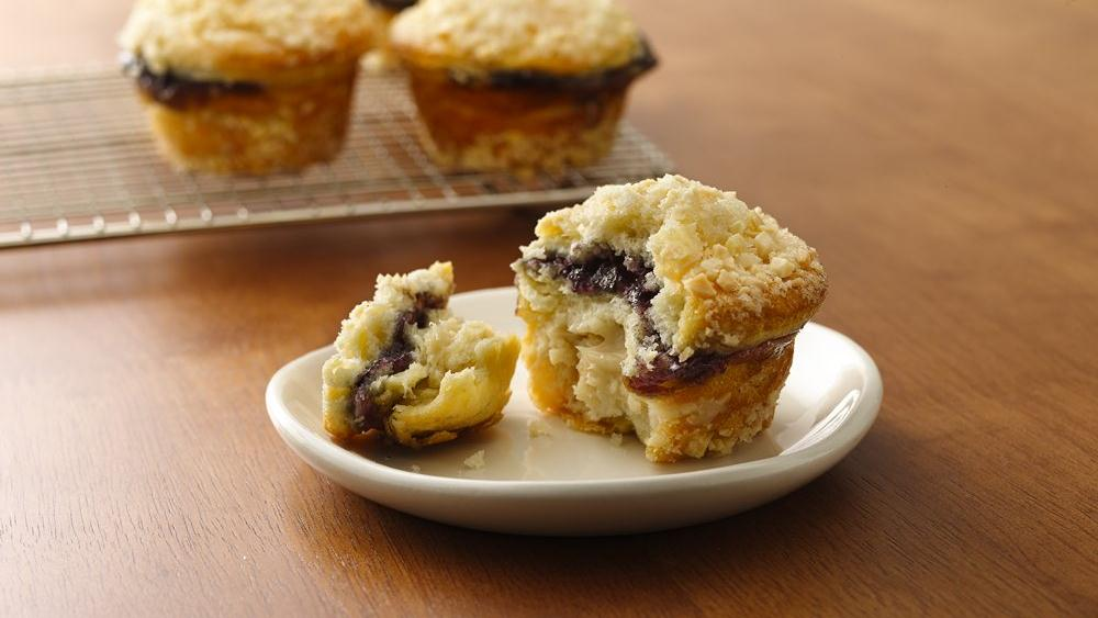 Blueberry-Almond Crème Muffins