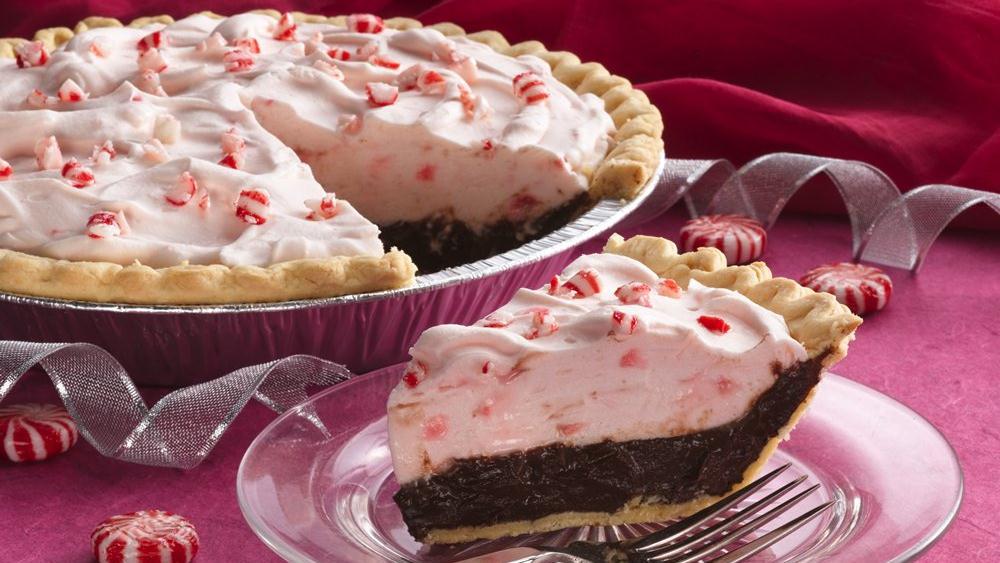 Peppermint-Mallow Chocolate Cream Pie