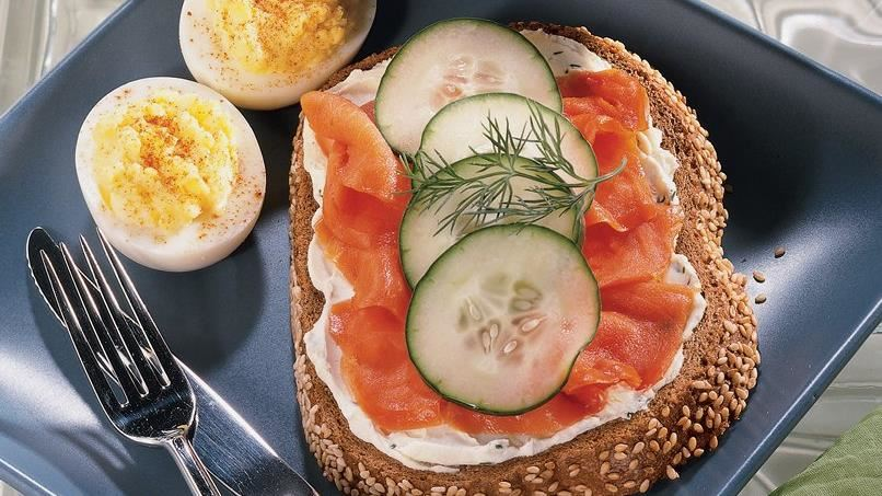 Dilly Smoked Salmonwiches