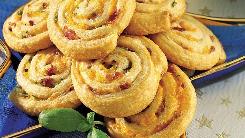Bacon-Cheddar Pinwheels (Party Size)