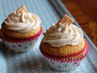 Frosted Toast Crunch™ Cupcakes