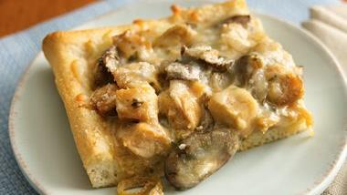 Creamy Chicken Marsala Pizza