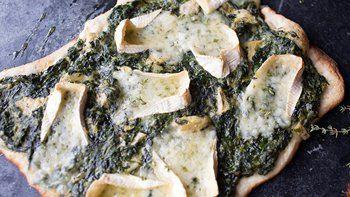Spinach and Artichoke Chicken Pot Pie Flatbread