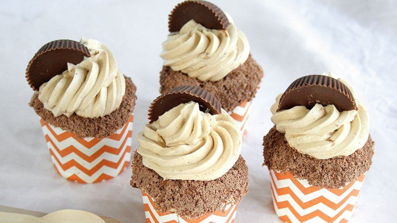 Reese's® Peanut Butter Cookie Buttercream Topped Cupcakes