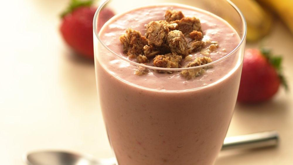 Granola Berry-Banana Smoothies