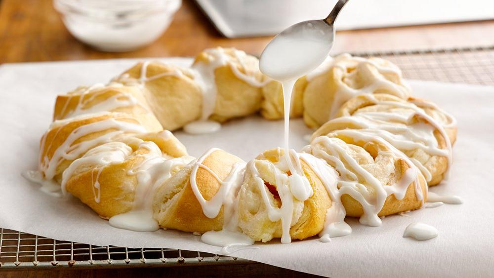 Lemon-Cream Cheese Crescent Ring