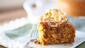 Slow-Cooker Pumpkin Cake with Caramel Sauce