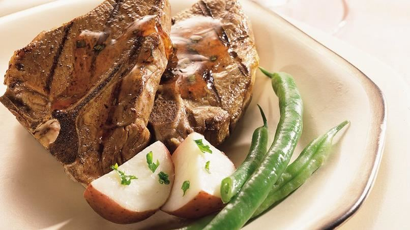 Lamb Chops with Currant Sauce