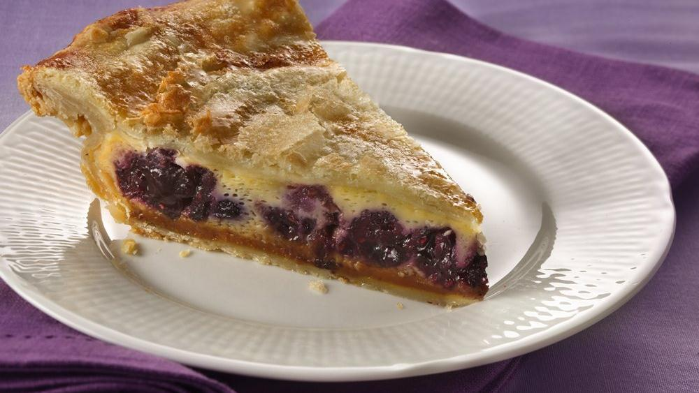Pillsbury® Magic Flan Berry Pie