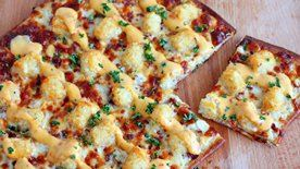 Loaded Tater Tot Pizza
