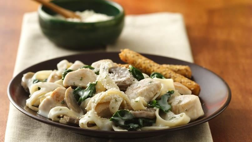 Fresh Spinach and Fettuccine Alfredo