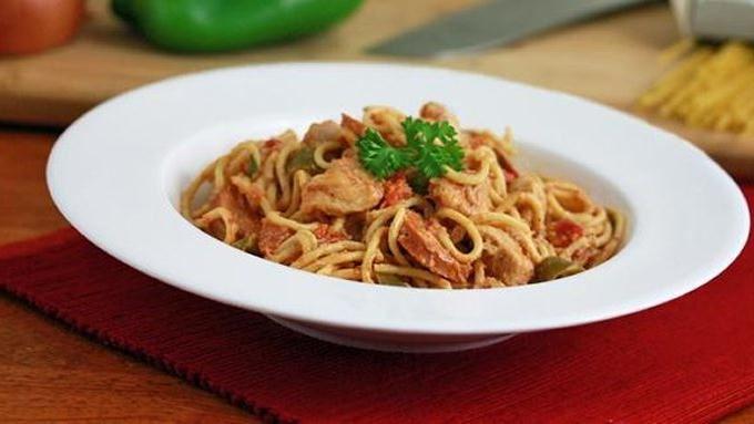 Slow-Cooker Cajun Chicken Spaghetti