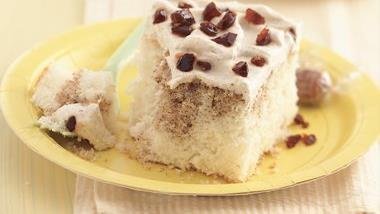 Creamy Root Beer Float Cake