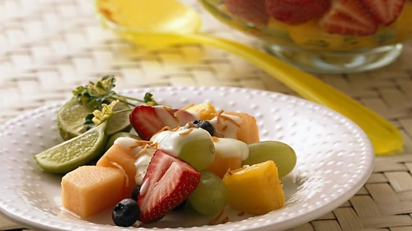 Ensalada de Frutas con Yogurt de Limón