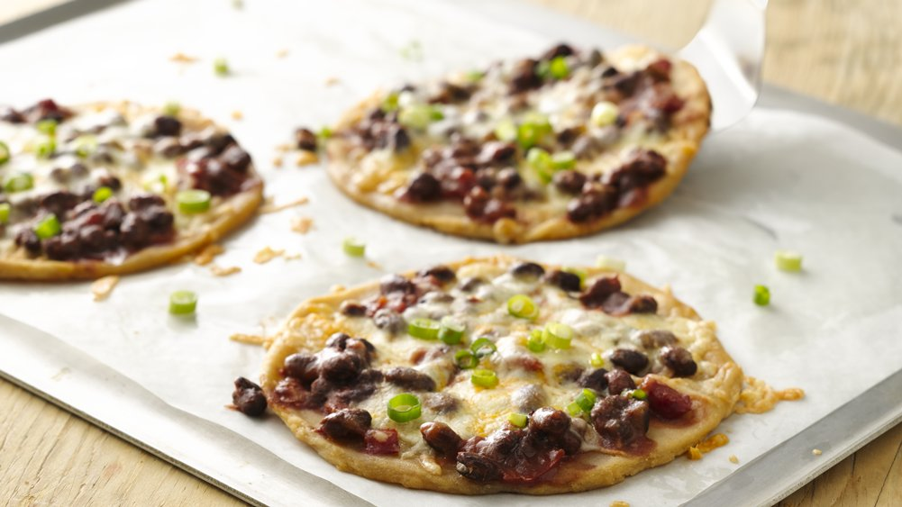 Gluten-Free Black Bean Salsa Pizzas
