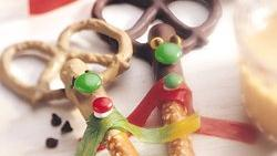 Reindeer Chocolate-Coated Pretzel Rods