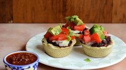 Minitamales de Frijoles Negros con Salsa Chipotle