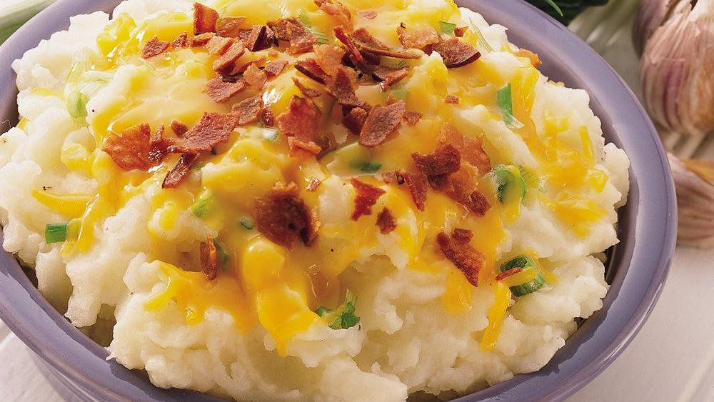Cheddar, Bacon and Onion Mashed Potatoes recipe from Pillsbury.com