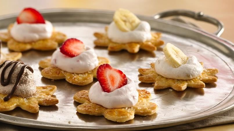 Banana Split Mini Pie Bites