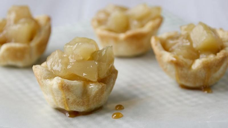 Mini Caramel Apple Pie Bites