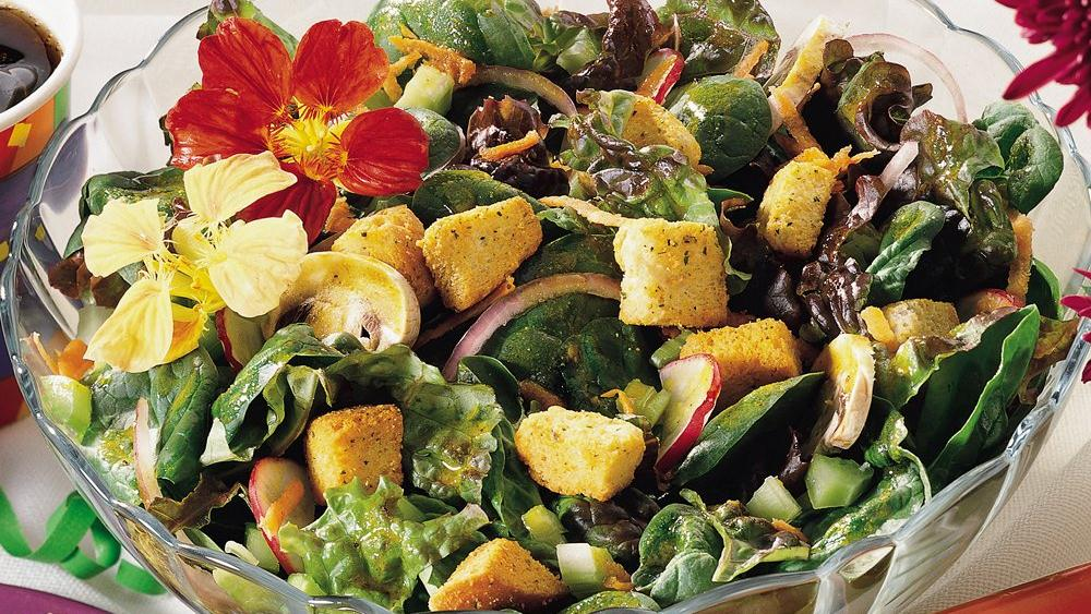 Mixed Green Salad with White Wine Vinaigrette
