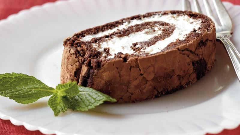 Mint-Chocolate Cake Roll