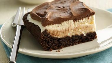 Mud Slide Ice Cream Cake