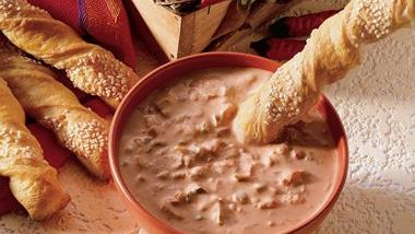 Pepper-Jack Crescent Twists with Salsa-Ranch Dip