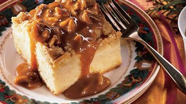 Apple Crisp Cake with Caramel Sauce