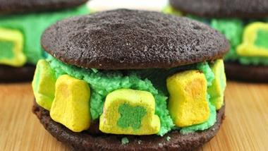 Little Lucky Whoopie Pies