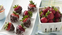 Frozen Yogurt-Dipped Strawberries