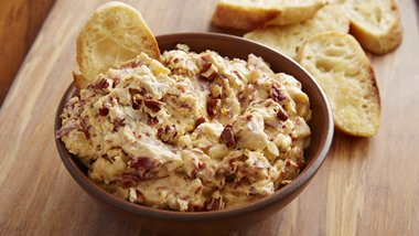 Slow-Cooker Hot Chipped Beef and Chipotle Dip