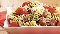 Salami-Pesto Fusilli