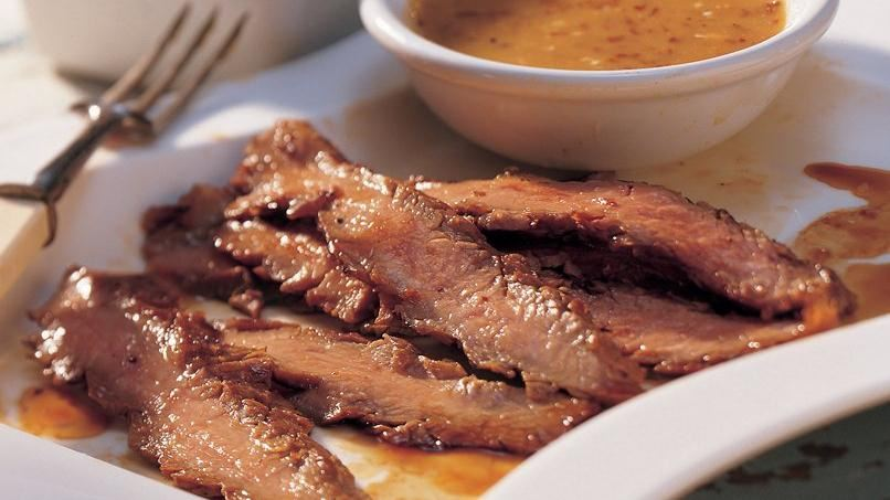 Bistec estilo Flank con Salsa Ahumada de Mostaza y Miel