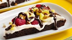 Banana Split Brownie Pizza