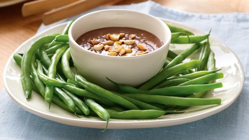 Green Beans with Peanut-Ginger Dressing
