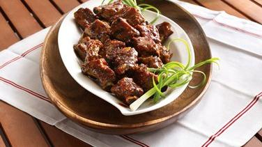 Slow-Cooker Grilled Spicy Chili-Glazed Riblets