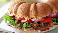 Ham and Pimiento-Cheese Sandwich Ring