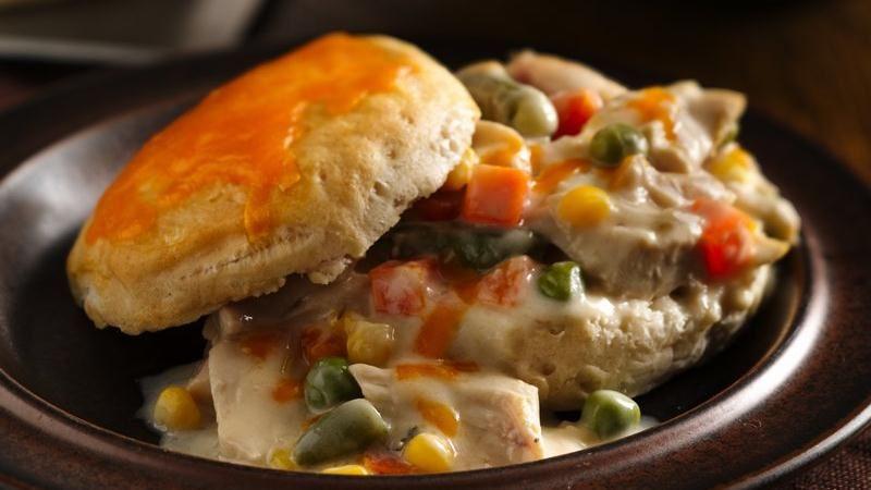 Creamy Garlic Chicken and Cheddar Biscuits
