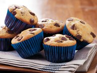 Peanut Butter-Chocolate Chip Muffins
