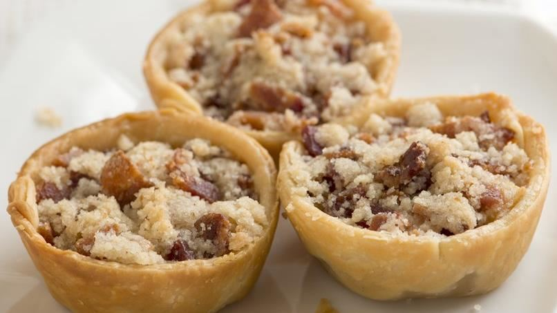 Mini Apple Pies with Bacon