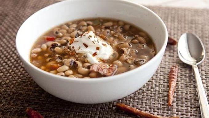 Spicy Slow Cooker Black-Eyed Peas