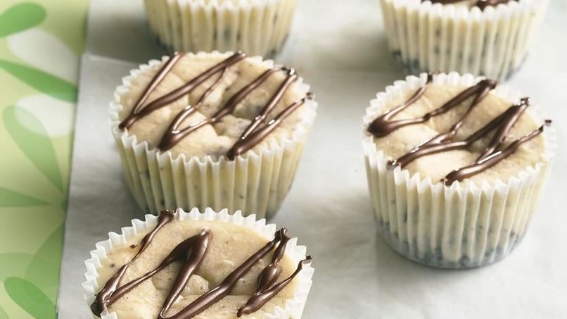 Cookies and Cream Mini Cheesecakes