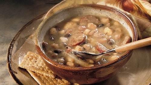 Slow-Cooker Easy Multi-Bean Soup recipe from Betty Crocker