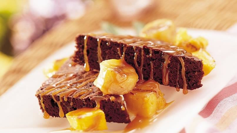 Brownies with Grilled Fruit