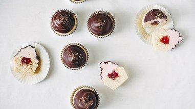 Strawberry Hi-Hat Cupcakes